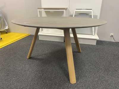 CHARLES Table SHOWROOM MODEL